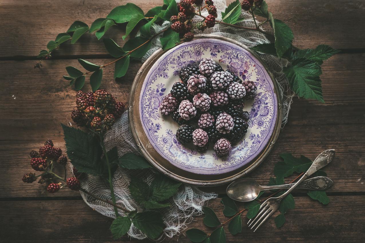 160821_hus30_fotograf_ulrica_hallen_fujifilm_manadensgrona_bjornbar_blackberries_stillife-9324