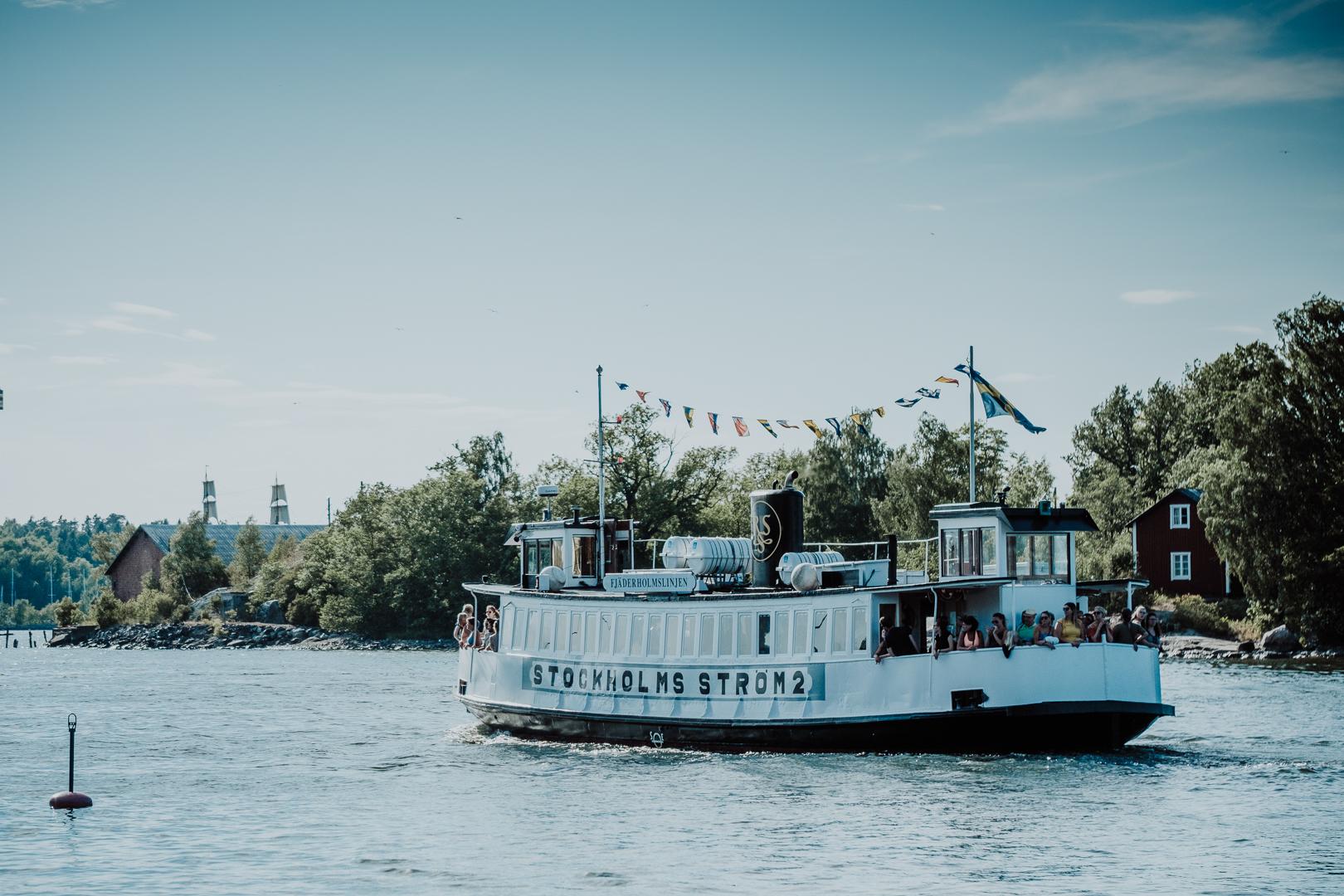 En dag i Stockholm, Kungsträdgårdenm Stockholms skärgård och Fjäderholmarna med Fjäderholmarnas krog och bryggeri