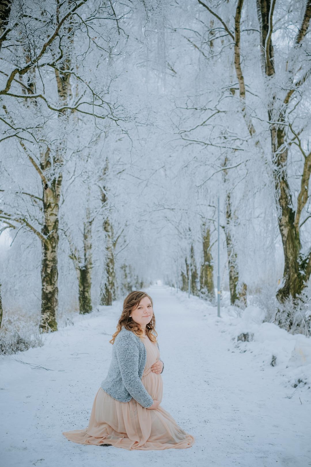 gravidfotografering enköping : fotograf enköping : gravidfoto enköping västerås sala uppsala